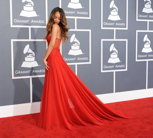 rihanna-grammy-awards-2013-red-carpet-arrivals--1360545379-custom-0